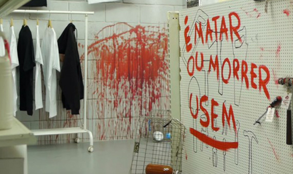 In Portugal begleitete der Fernsehsender Fox den Start der vierten Zombie-Staffel mit Pop-Up Stores, in denen Fans Merchandis
