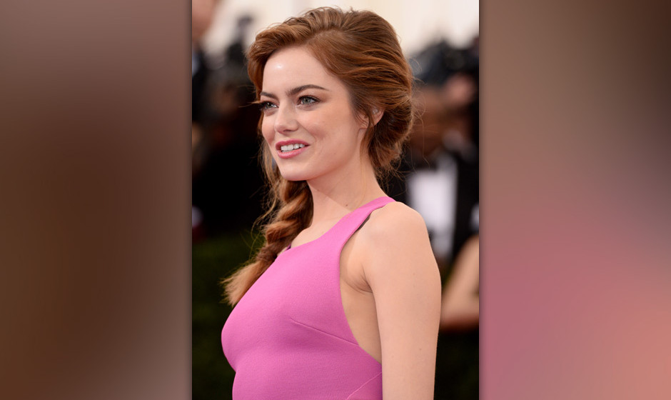 NEW YORK, NY - MAY 05: Emma Stone attends the 'Charles James: Beyond Fashion' Costume Institute Gala held at the Metropolitan