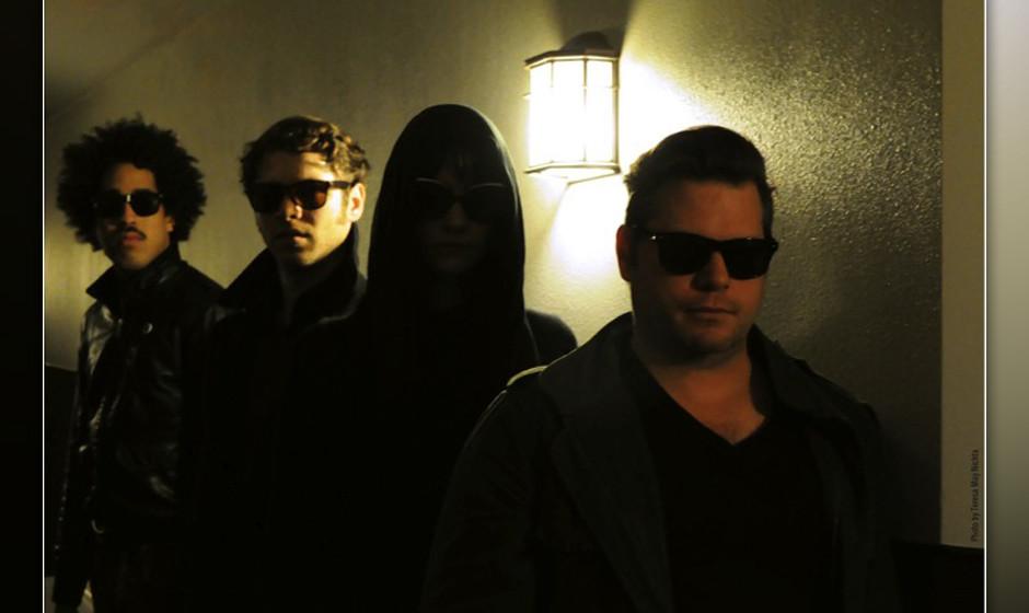Mit Midnight Masses wird das Trail-Of-Dead-Mitglied Jason Reece bald das Debütalbum DEPARTURES veröffentlichen.