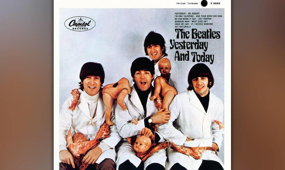 YESTERDAY AND TODAY hätte just another Beatles-Compilation sein können, wäre da nicht das Cover: Metzgerkittel tragend lä