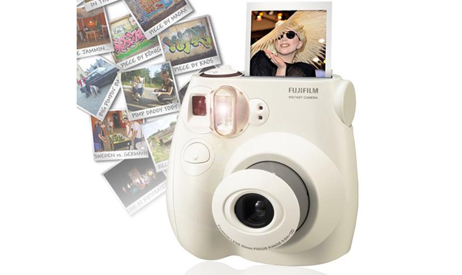 Polaroid Kamera Modell Fujifilm Instax Mini 7S, 79,95 Euro Gesehen bei megagadgets.de
