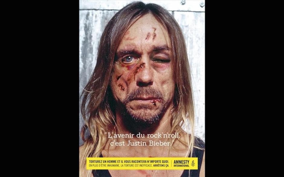 """Amnesty International entschuldigt sich für dieses Folter-Plakat von Iggy Pop: """"Justin Bieber ist die Zukunft des Rock'n"""