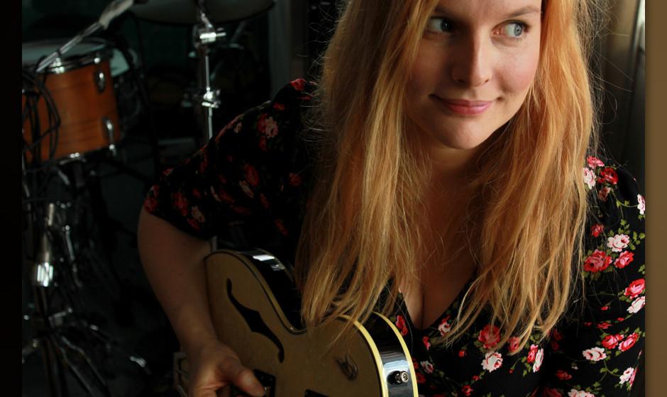 Judith Holofernes kommt im Herbst 2014 für weitere Konzerte nach Deutschland, präsentiert vom Musikexpress.
