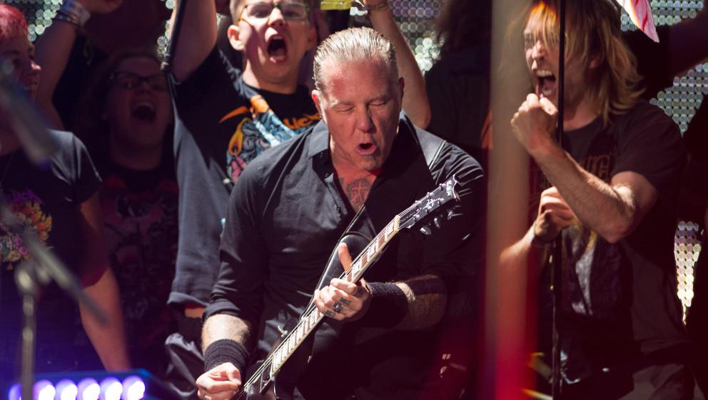 GLASTONBURY, ENGLAND - JUNE 28:  James Hetfield of Metallica performs on the Pyramid Stage as the band headline Glastonbury F
