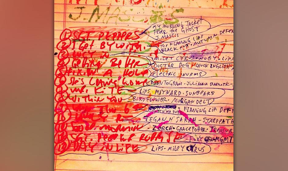 Zusammen mit Miley Cyrus und anderen 'Fwends' interpretiert Wayne Coyne das Werk SGT. PEPPER'S LONELY HEARTS CLUB BAND.