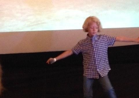 Der kleine Graham Johnson sang 'This Is Hardcore' und wurde im New Yorker Karaoke-Club Sing Sing zum Star des Abends gekürt.