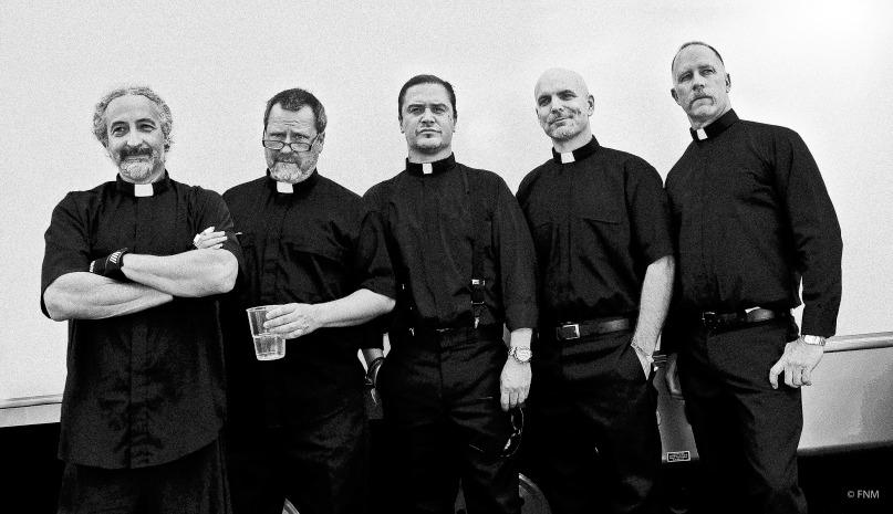 Faith No More twittern: 'Die Reunion-Tour ist vorbei. 2015 werden sich die Dinge verändern.'