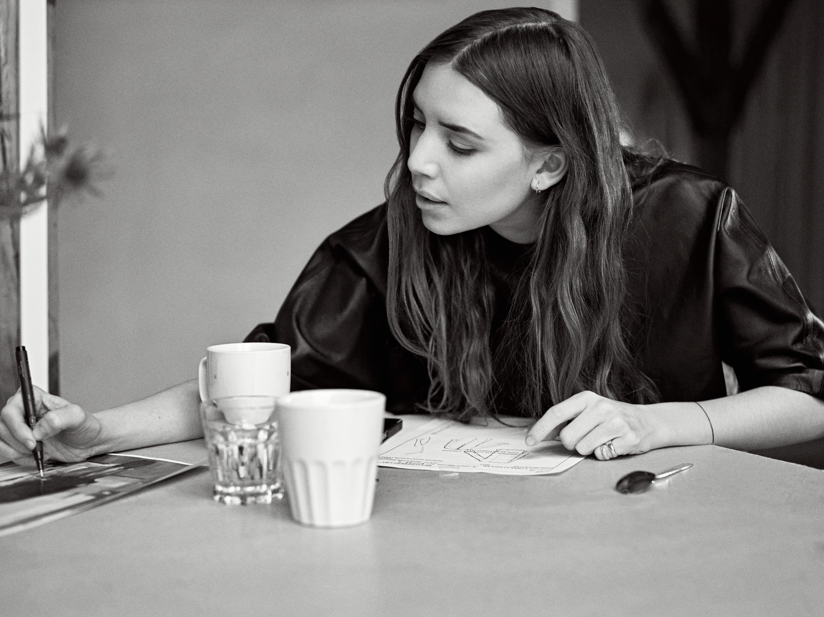 Lykke Li hat ihre erste Kollektion für &Other Stories designt.