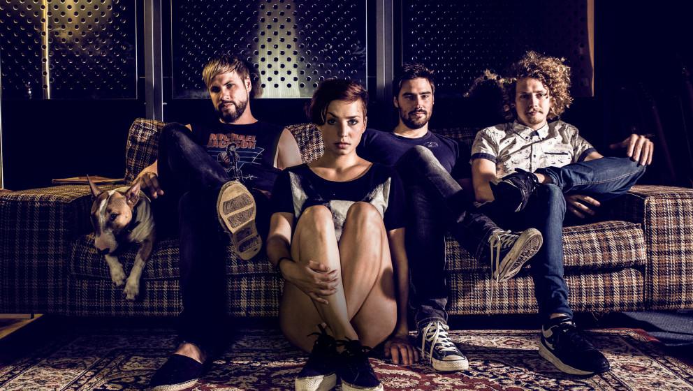 Die vier Münchner veröffentlichen ihr erstes Album LOVE AND WAR am 26. September.