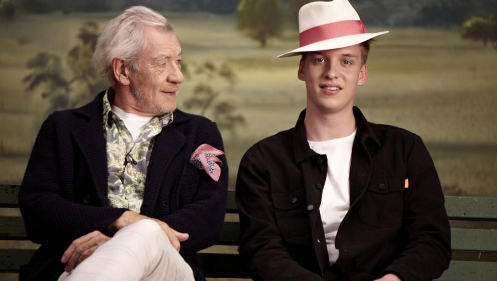 Zwei, die sich verstehen: Sir Ian McKellen und George Ezra im Video zu 'Listen To The Man'.