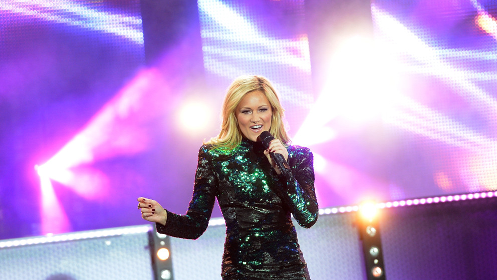 KLAGENFURT, AUSTRIA - JULY 18:  Helene Fischer performs the 'Starnacht am Woerthersee' at Woertherseebuehne Klagenfurt on Jul