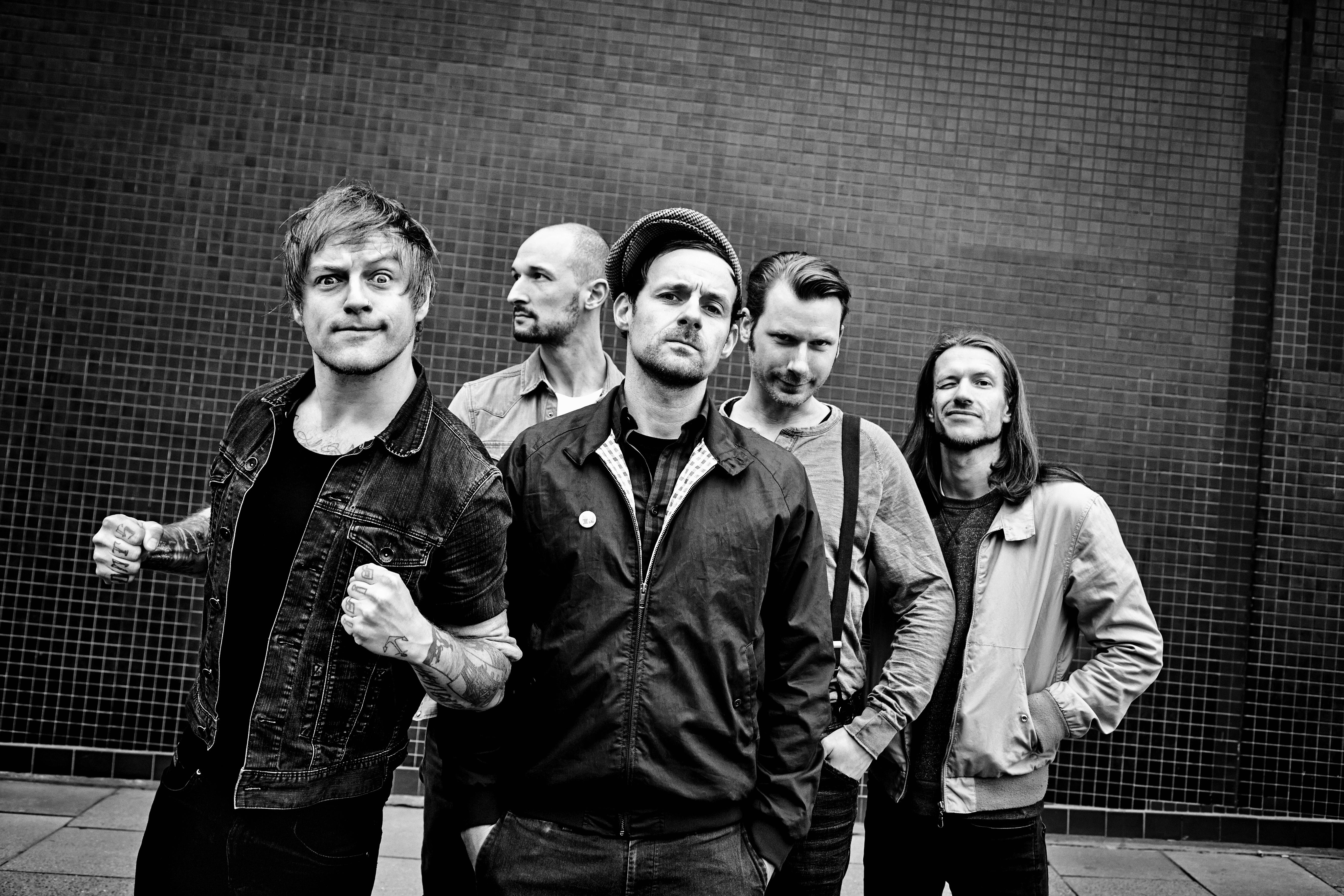 Donots kündigen mit 'KARACHO' erstes Album in deutscher Sprache an