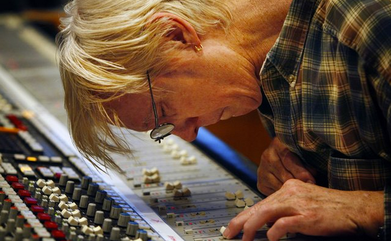 Produzent John Hampton ist am 12. Dezember 2014 verstorben