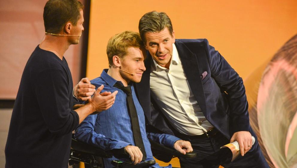 Til Schweiger Samuel Koch im Rollstuhl Markus Lanz  zu Gast in der letzten , der 215 ZDF Unterhaltungs TV Show Wetten , dass.