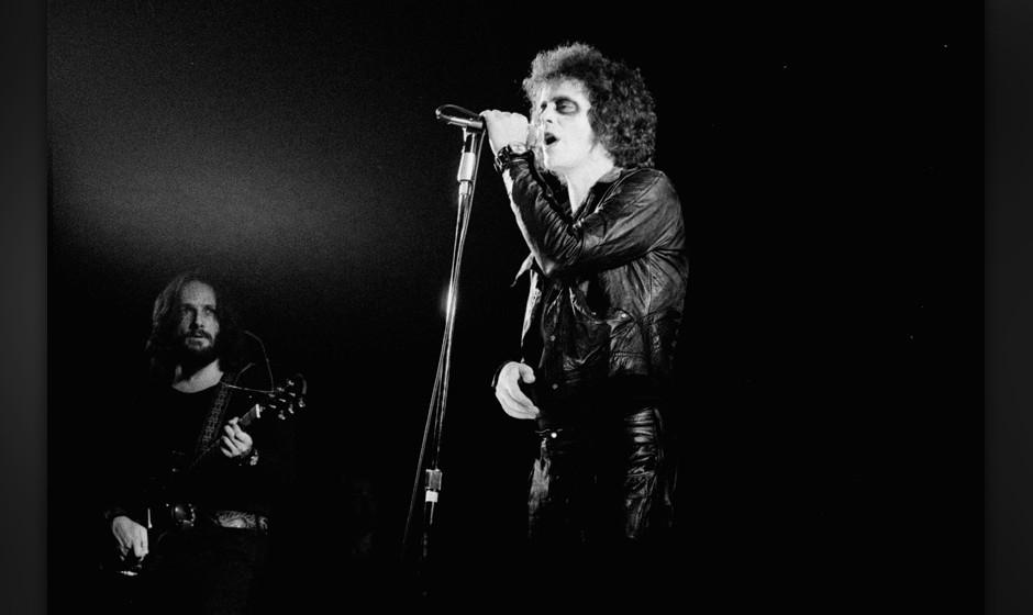 DENMARK - AUGUST 19:  Photo of Lou REED; Lou Reed (Dick Wagner in the back), August 1973, Copenhagen, Denmark  (Photo by Jorg