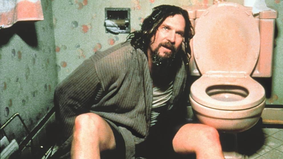 The Big Lebowski (The Big Lebowski, USA 1998, Regie: Joel und Ethan Coen) Jeff Bridges / Mann neben Toilettenschüssel sitzen