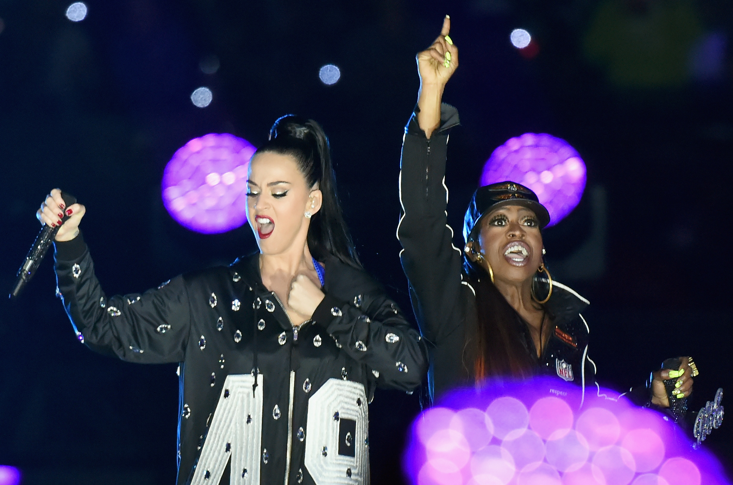 GLENDALE, AZ - FEBRUARY 01:  Recording artists Katy Perry (L) and Missy Elliott perform onstage during the Pepsi Super Bowl X