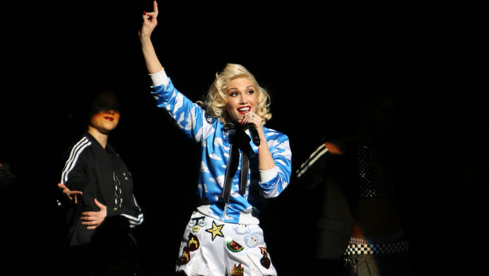 LOS ANGELES, CA - FEBRUARY 07:  Singer Gwen Stefani performs in concert at the Orpheum Theatre on February 7, 2015 in Los Ang
