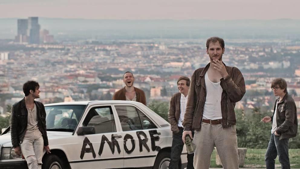Waren mindestens einmal in Bologna: Wanda aus Wien. Ihr Debüt AMORE landete in der Liste unserer Lieblingsplatten 2014 weit