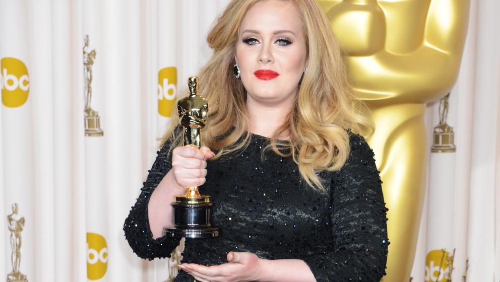 Sängerin und Songwriterin Adele freute sich bei der Oscar-Verleihung 2013 über den Preis für 'Best Original Song'. Am Sonn