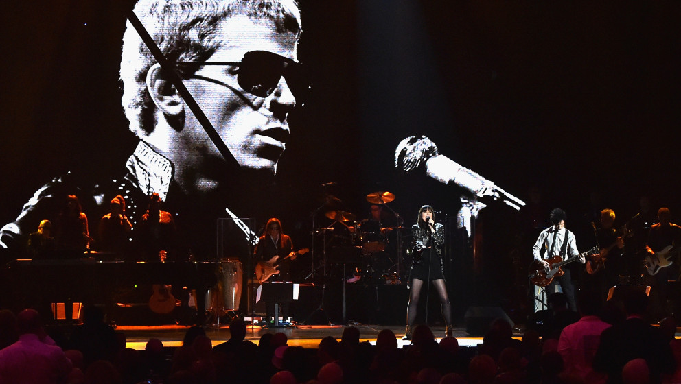 onstage during the 30th Annual Rock And Roll Hall Of Fame Induction Ceremony at Public Hall on April 18, 2015 in Cleveland, O