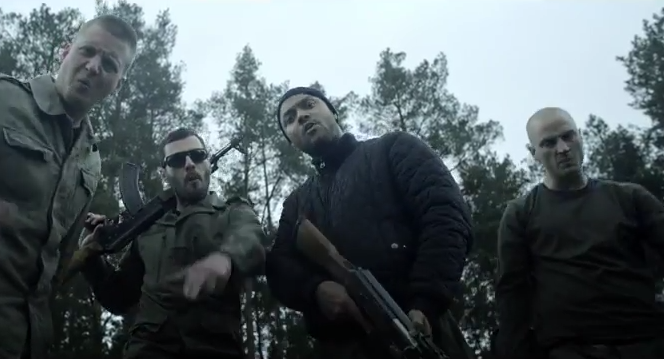 """Hitler, Terror, Vengaboys: K.I.Z. zeigen Video zu neuer Single """"Boom Boom Boom"""""""