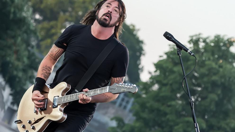 Hier war Grohl noch gesund und munter: Foo Fighters live bei Rock im Park 2015