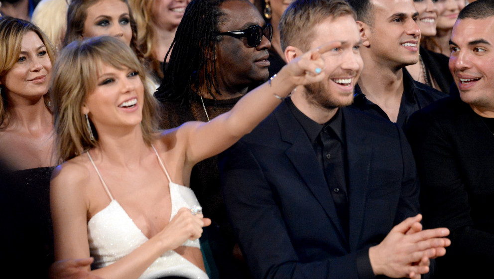 LAS VEGAS, NV - MAY 17:  Singer Taylor Swift (L) and DJ Calvin Harris attend the 2015 Billboard Music Awards at MGM Grand Gar