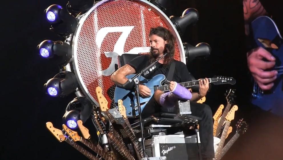 Dave Grohl am 4. Juli 2015 in Washington auf seinem Thron