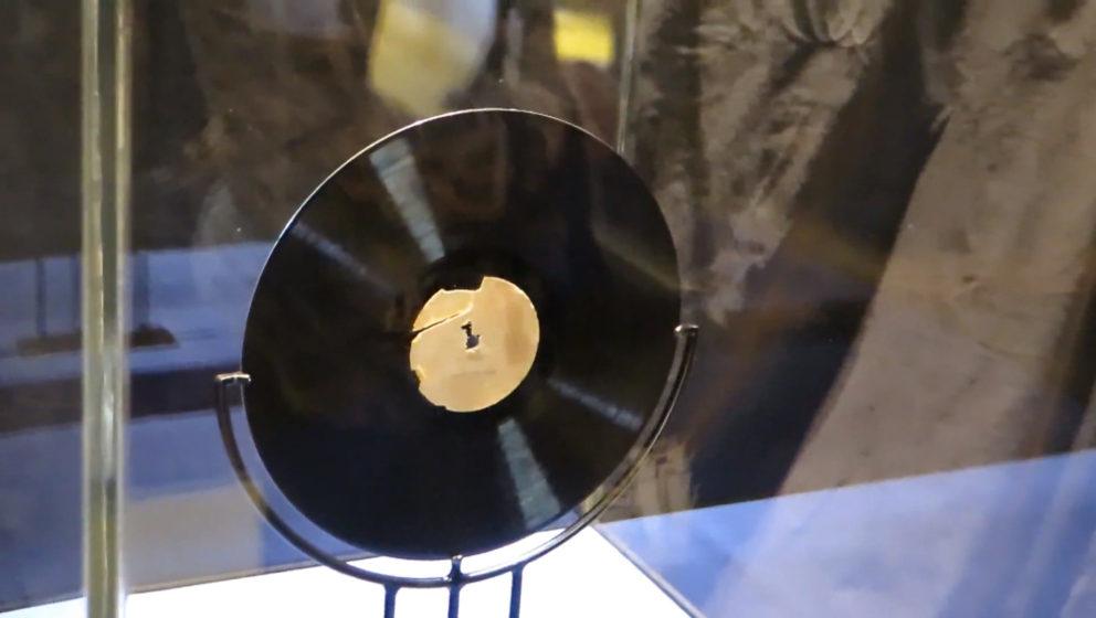 """Elvis Presley – """"My Happiness / That's When Your Heartaches Begin"""" (1953) Jack White kaufte die erste Aufnahme des Ki"""