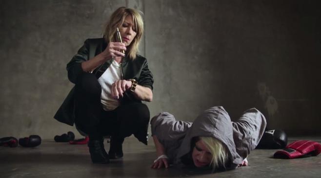"""Power-Frauen: Peaches und Kim Gordon im Wrestling-Fieber im Video zu """"Close Up"""""""