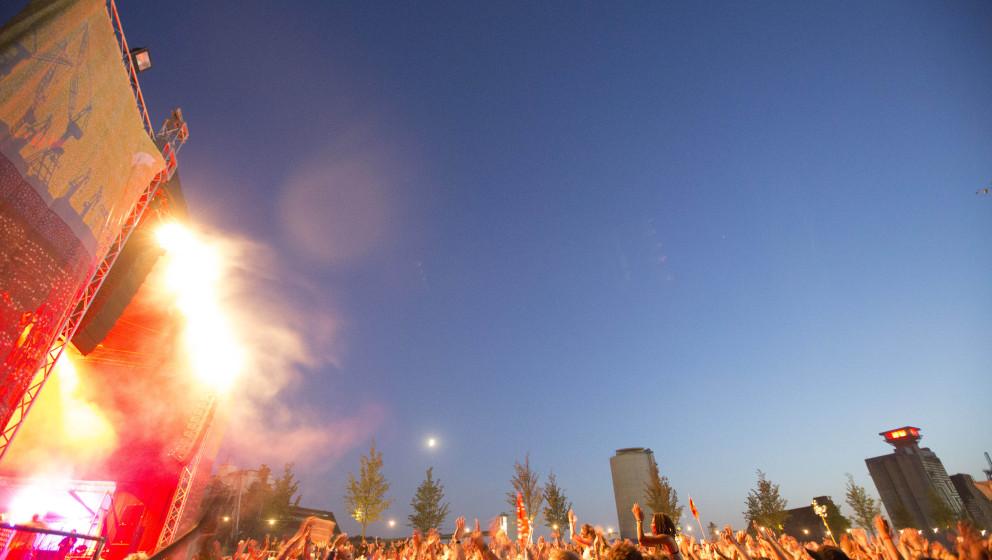 Publikum beim MS Dockville Festival in Hamburg-Wilhelmsburg vom 21.08.2015 - 23.08.2015.   KEINE PERSOENLICHKEITSRECHTE VORHA