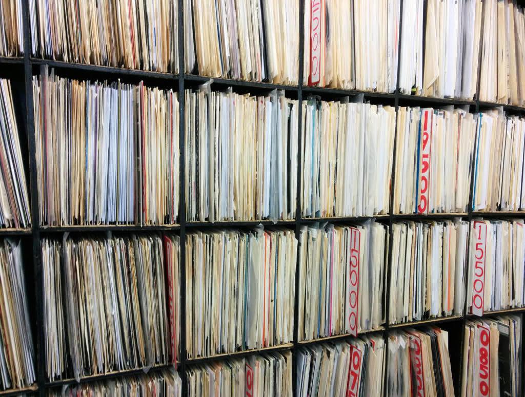 diese 20 platten sollte jeder vinyl anf nger im regal stehen haben musikexpress. Black Bedroom Furniture Sets. Home Design Ideas