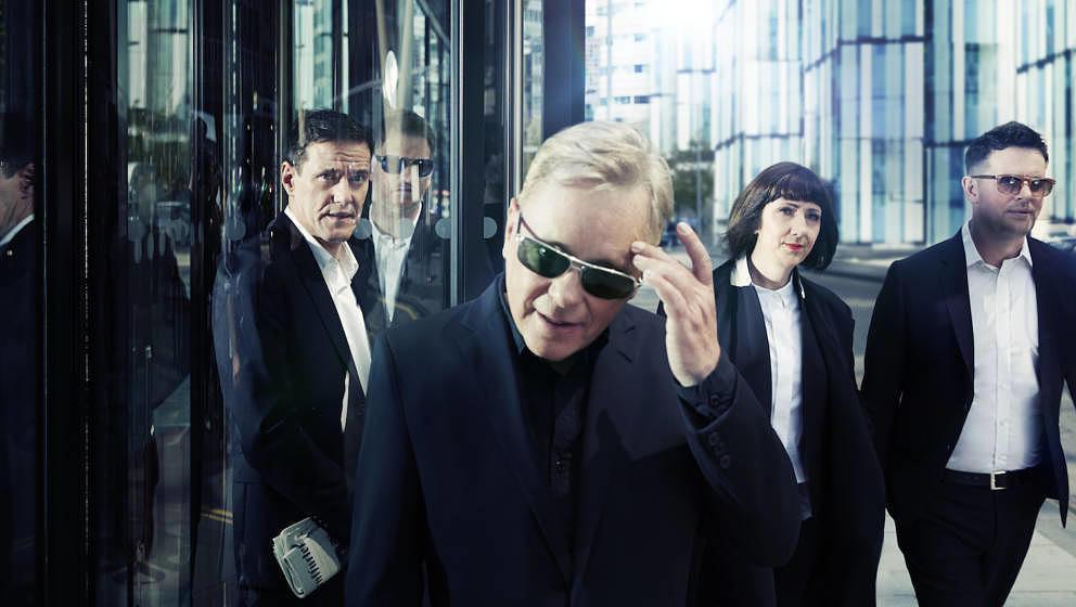 New Order sind am 25. September 2015 beim Reeperbahn festival und präsentieren ihr neues Album MUSIC COMPLETE