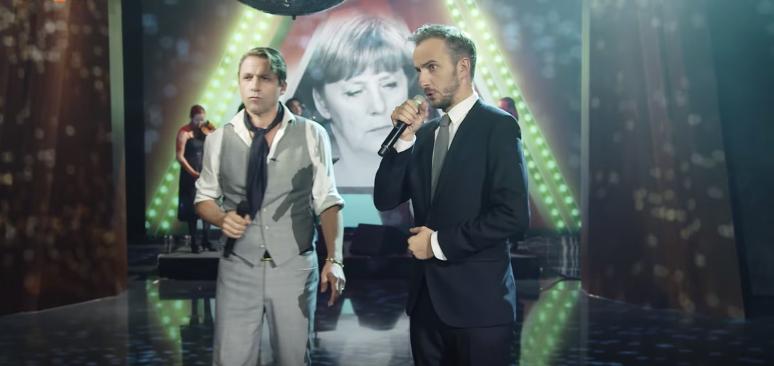 """Singen über """"Angela"""": Rocko Schamoni und Jan Böhmermann"""