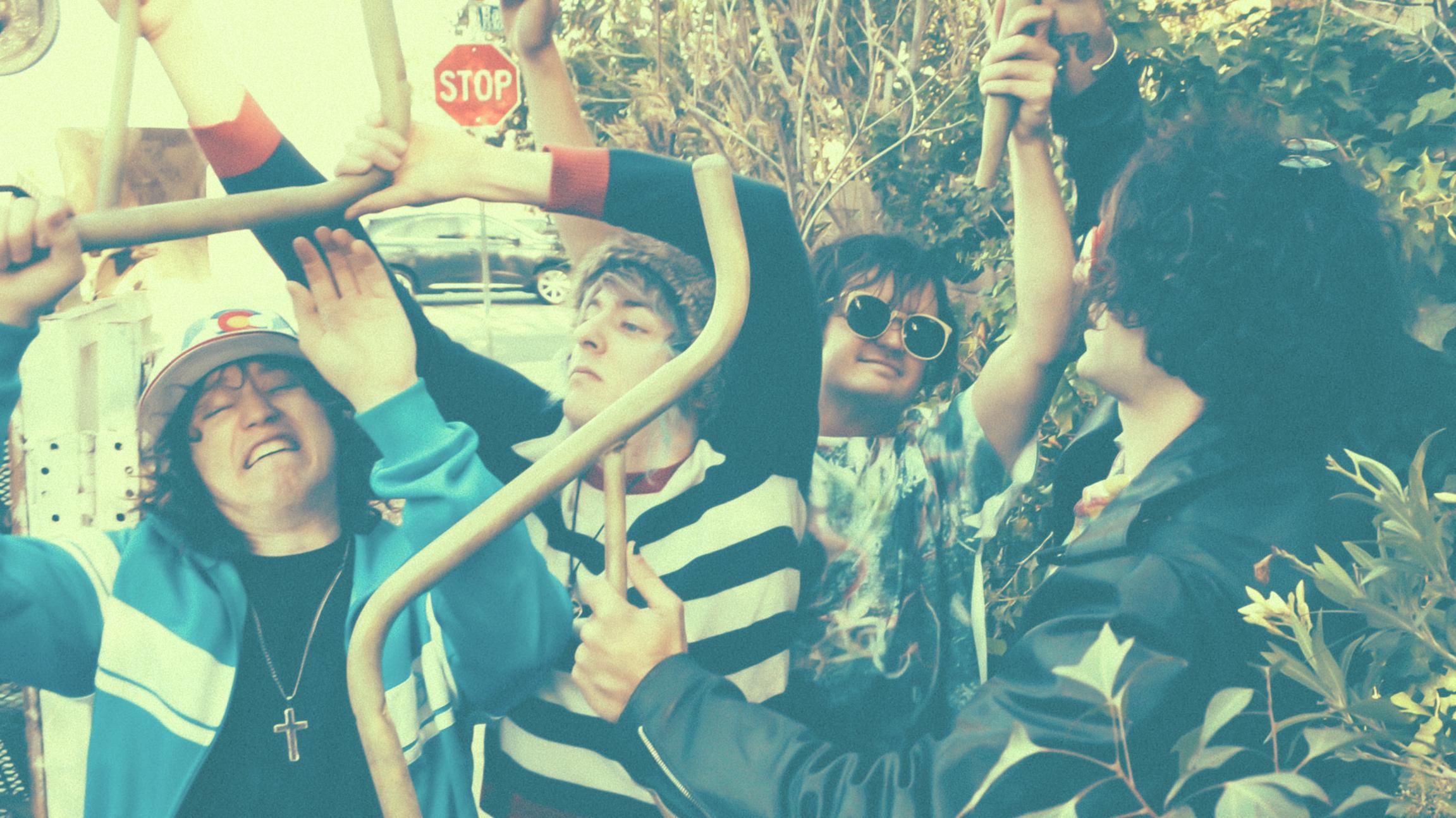 Bespielen psychedelisches Wunderland: Fever The Ghost aus Kalifornien