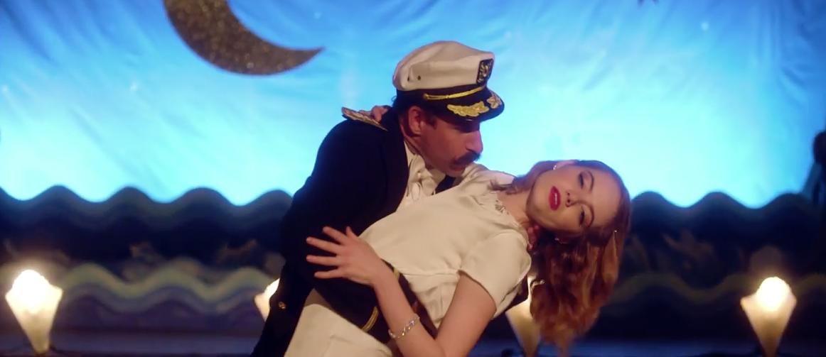 """Emma Stone als Tanzmaschine in dem Musikvideo zu Will Butlers """"Anna"""""""