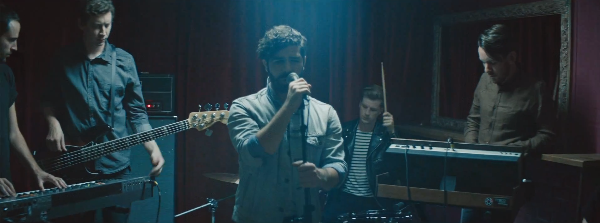 "Foals im Video zu ihrem neuen Song ""Give It All"""