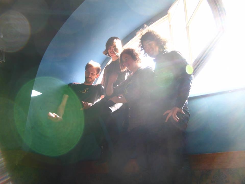Locas in Love bringen im November 2015 ihr neues Album KALENDER raus und spielen im Dezember live in drei deutschen Städten.