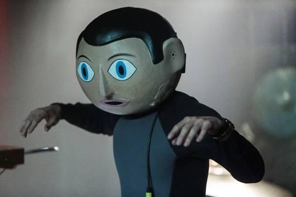 """Michael Fassbender spielt in """"Frank"""" die männliche Hauptrolle mit wenig Gesichtsmimik."""