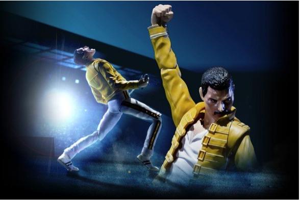 30 Jahre nach ihrem legendären Wembley-Auftritt wird Queen-Sänger Freddie Mercury mit einer Actionfigur gedacht.