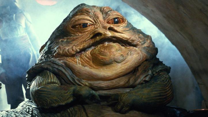 Jabba the Hutt ist ein gefürchteter Gangster mit großen Einflüssen in Politik und der kriminellen Unterwelt. Han Solo hatte Schulden bei ihm, daraufhin hat Jabba den in Karbonit gefrorenen Han Solo als Trophäe aufbewahrt.