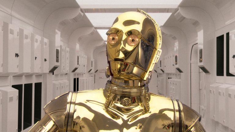 """Anthony Daniels verkörpert in allen sechs """"Star Wars""""-Teilen C3-PO. Auch in der neuen Trilogie wird er wieder dabei sein"""