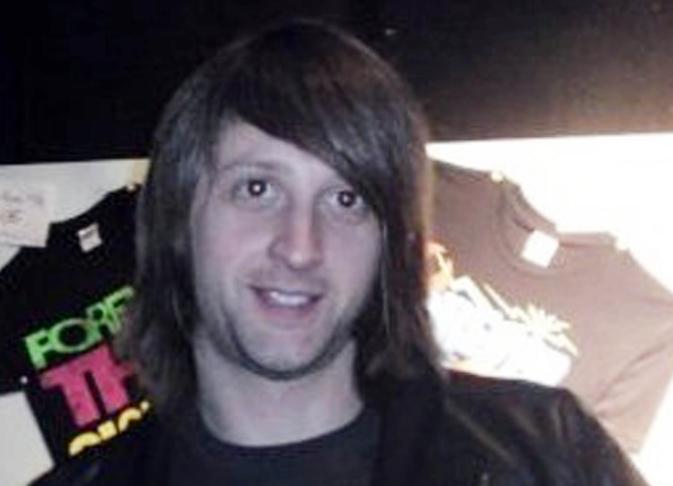 Der 36-jährige Brite Nick Alexander, Merch-Verkäufer für u.a. Eagles Of Death Metal, verstarb bei dem Anschlag auf das Par