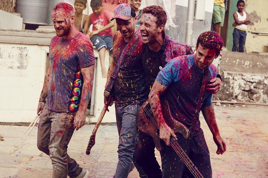 Am 8. Dezember 2015 feiern Coldplay ihre Album-Premiere in Deutschland in Offenbach. Das Konzert wird per Livestream übertra