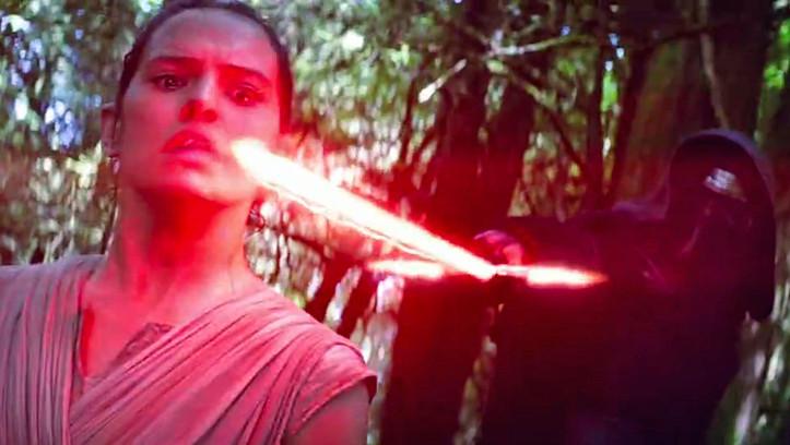 Wir sind gespannt, wie Rey (Daisy Ridley) dieser brenzligen Situation entkommen will.