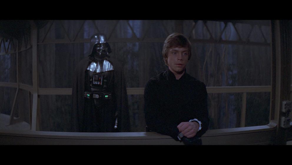 Luke hat sich zwischenzeitlich von imperialen Truppen gefangen nehmen lassen, da er sich sicher ist, seinen Vater Darth Vader