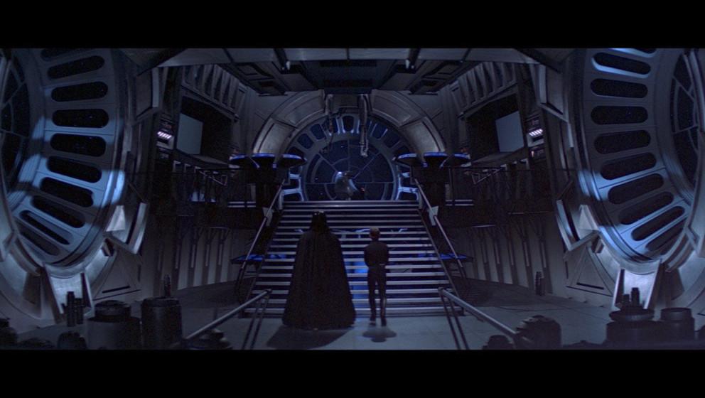 Darth Vader bringt Luke zum Imperator. Dort erfährt er, dass die Pläne der Rebellen scheitern werden, da der neue Todesster