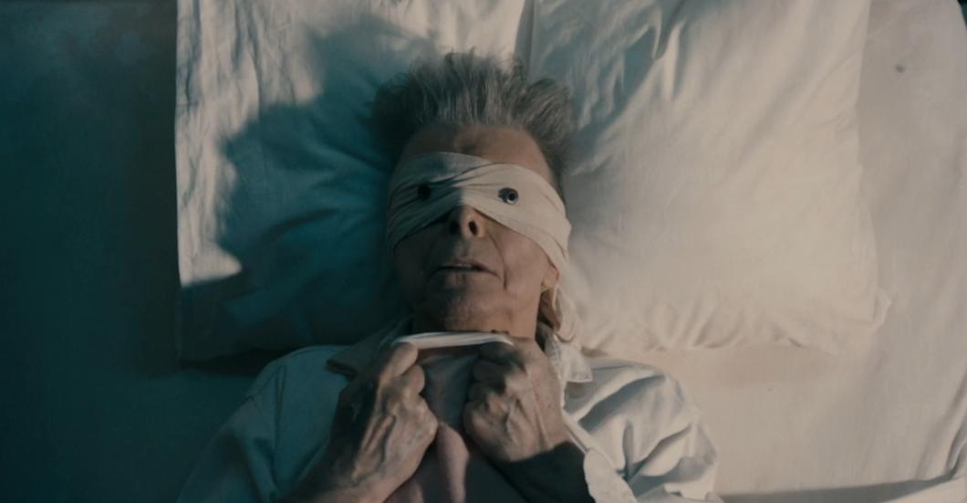"""David Bowie in seinem neuen Video zu """"Lazarus"""""""