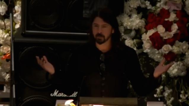 Foo Fighters' Dave Grohl hielt eine emotionale Grabrede auf der Beerdigung seines Idols